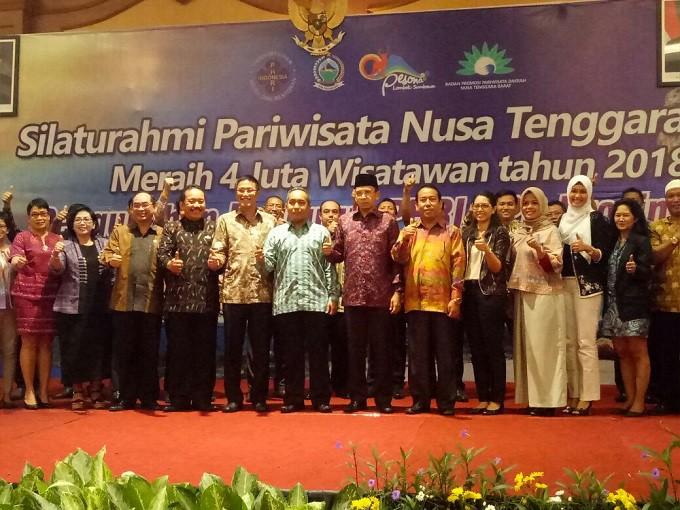 Photo of Pesan Gubernur NTB di acara Pelantikan Pengurus PHRI NTB