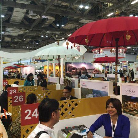 Photo of Gunakan Teknologi VR, Promosi Wonderful Indonesia Dibanjiri Pengunjung di Tiongkok
