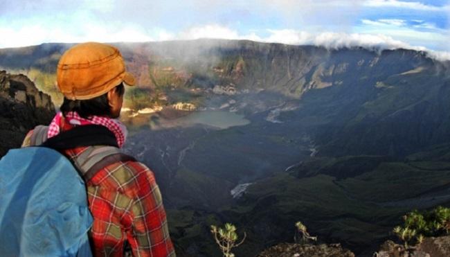 Di Balik Dalamnya Kaldera Tambora, Ada Kekayaan Alam yang Tak Terukur