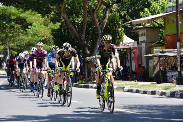 Photo of Dua Etape Tour de Lombok Mandalika Dikuasai Pebalap Australia