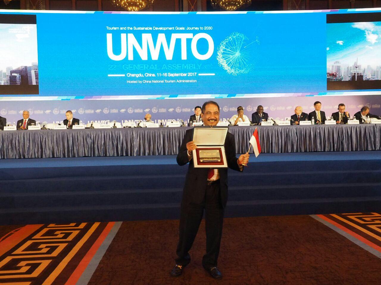 Photo of 5 Destinasi Lombok Ditampilkan, Indonesia Rebut Juara Umum Di UNWTO