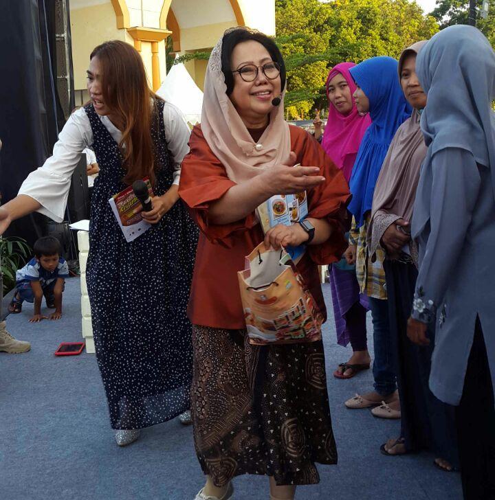 Photo of Edukasi dan Kreasi Kuliner Ala Sisca Soewitomo di Festival Kuliner Lombok Sumbawa