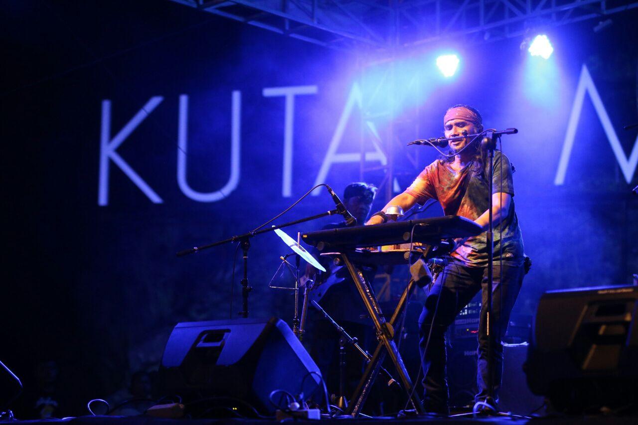 Photo of Penampilan Memukau Musisi Lombok Dalam Mandalika World Music Festival