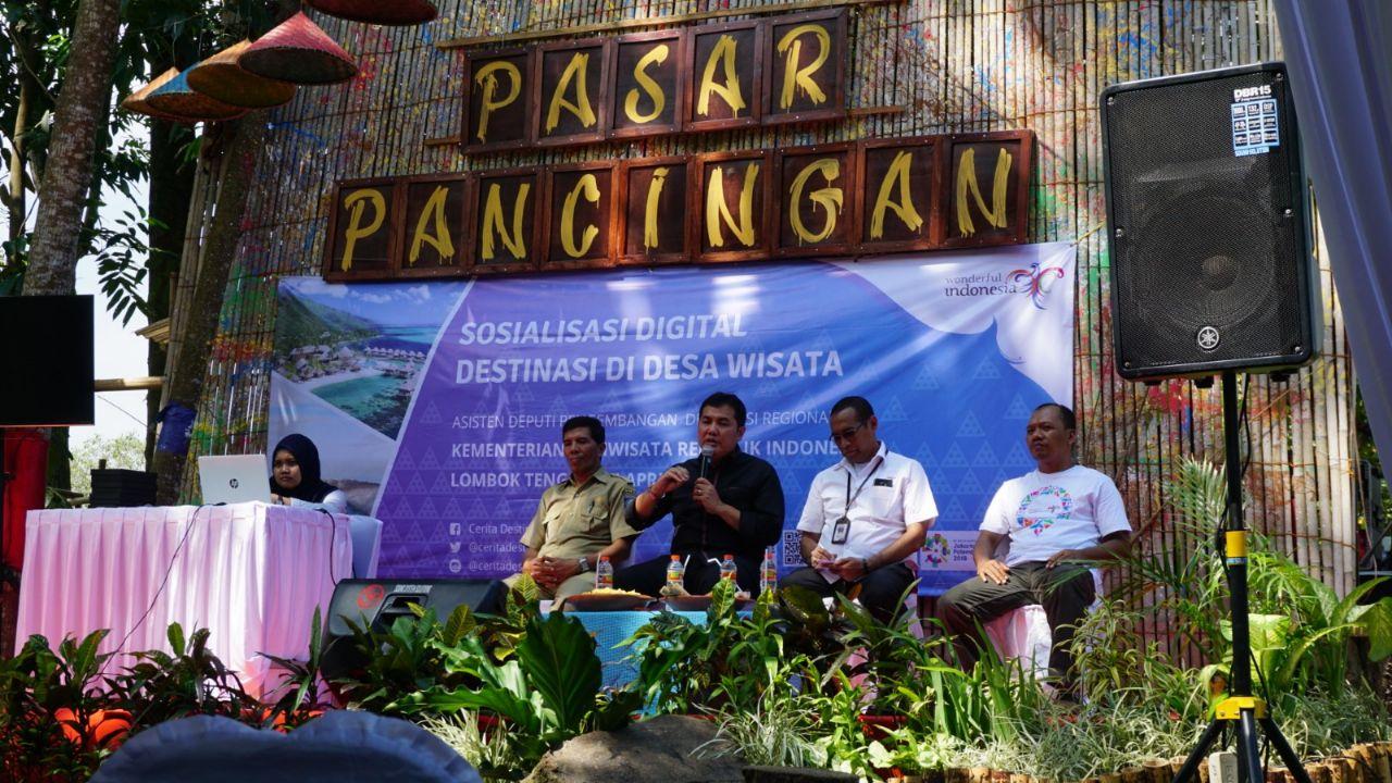 Photo of Tampil Beda, Kemenpar Gelar Sosialisasi Destinasi Digital di Pasar Pancingan Lombok