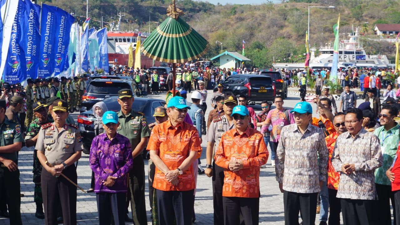 Photo of 3 Menteri Hadir di Sail Moyo, Psikologis Korban Gempa Terbantu