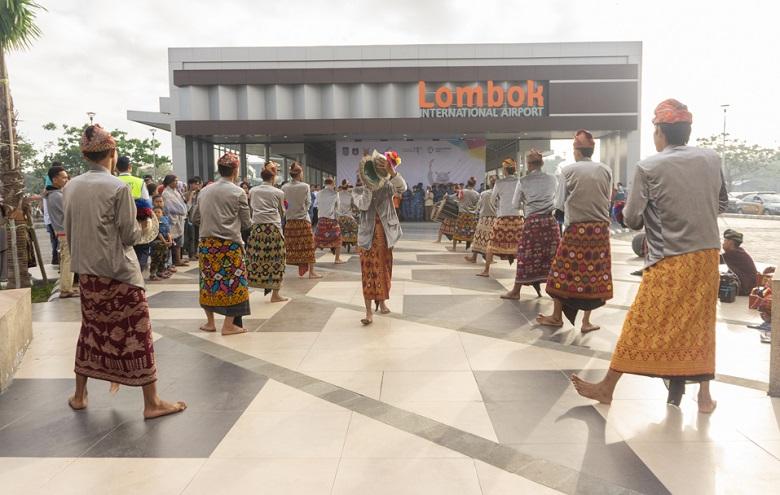 Photo of Keren, Bandara Lombok Raih penghargaan Bandar Udara Sehat 2018