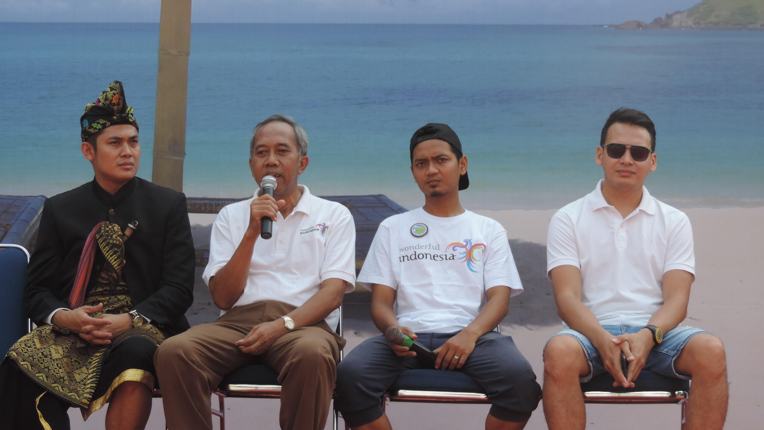 Photo of Ben Joshua Ungkap Keindahan Lombok di Car Free Day Jakarta