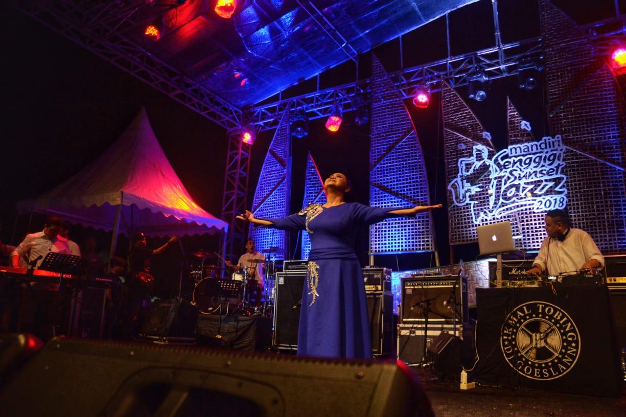 Photo of Bertabur Bintang, Mandiri Senggigi Sunset Jazz 2018 Sukses Menjadi Pusat Perhatian