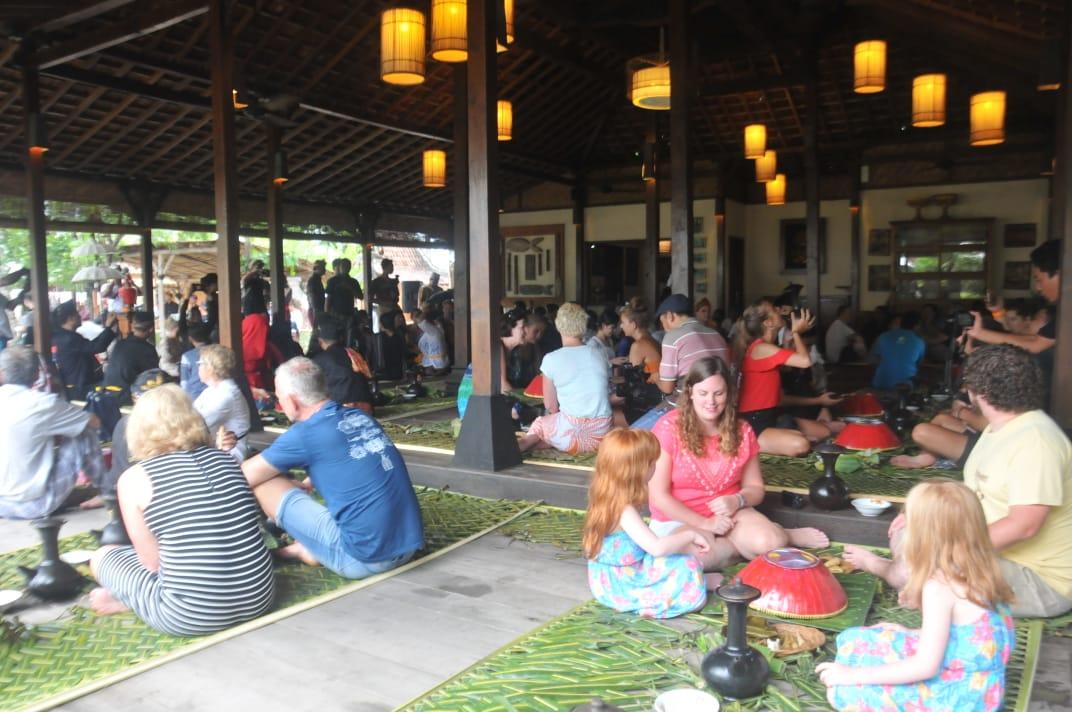 Photo of Gili Megibung Dekatkan Wisatawan dengan Budaya Lombok