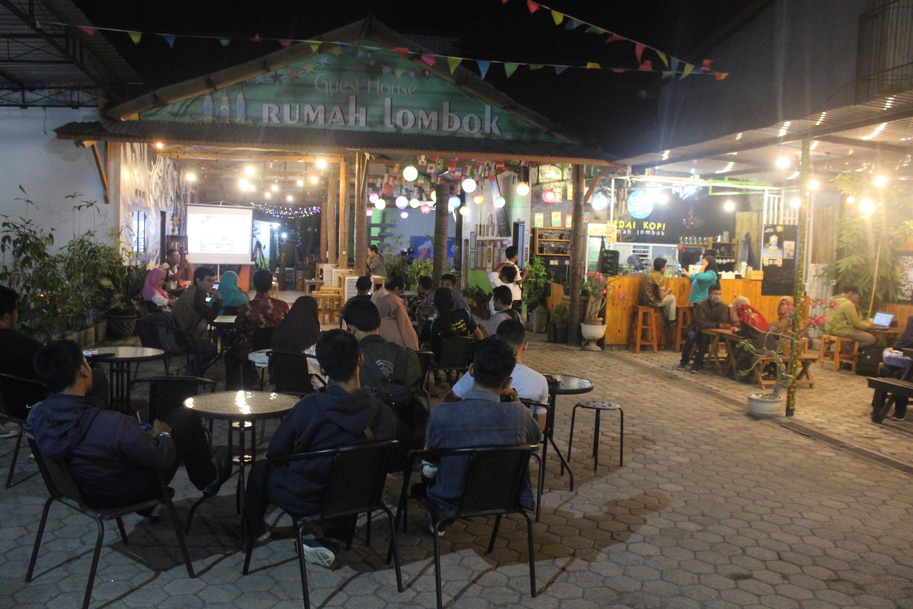 """Photo of Dialog Lombok Edisi 4 Genpi LS, IKOM Unram dan KPID NTB """"Destinasi Wisata Meraup Uang Menuai Sampah"""""""