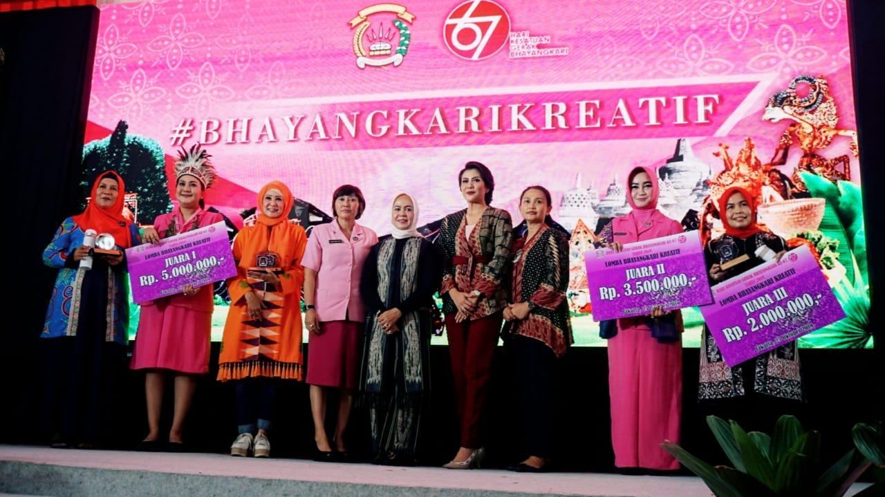 Photo of Bhayangkari NTB Sabet Dua Juara Utama Bhayangkari Kreatif Nasional