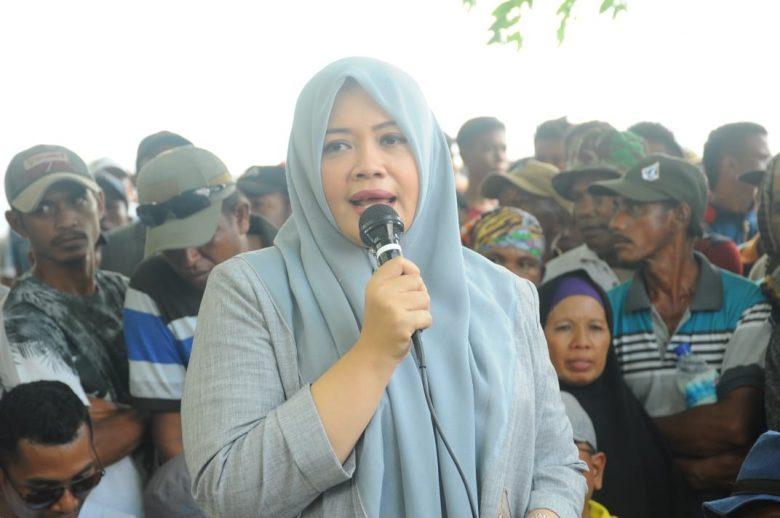 Ibu Kadispar Bima sampaikan sambutan di awal acara