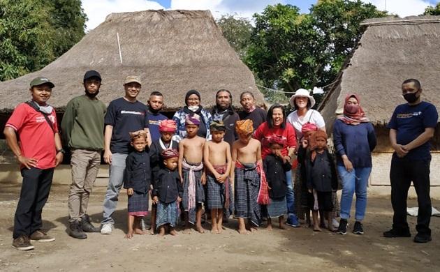 Foto bersama Tim Kreatif KomunitasinAja KEK Mandalika Lombok