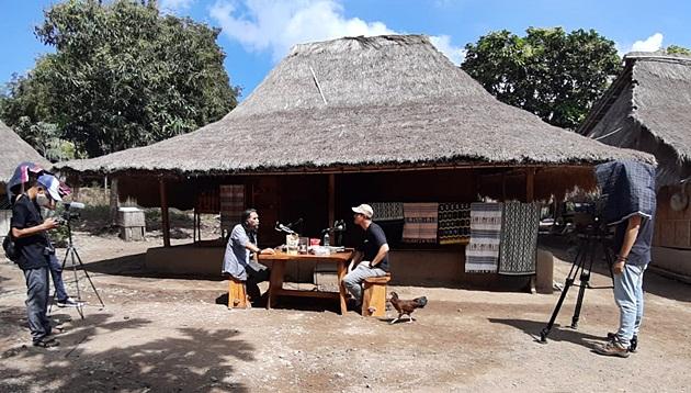 Proses kreatif KomunitasinAja di spot wisata Lombok