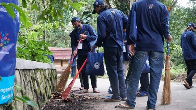 Aksi Bersih di Bimtek Kemenparekraf RI di Lombok
