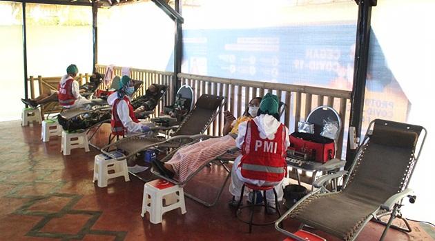 58 kantong darah terkumpul di Donor Darah Aruna Senggigi Resort